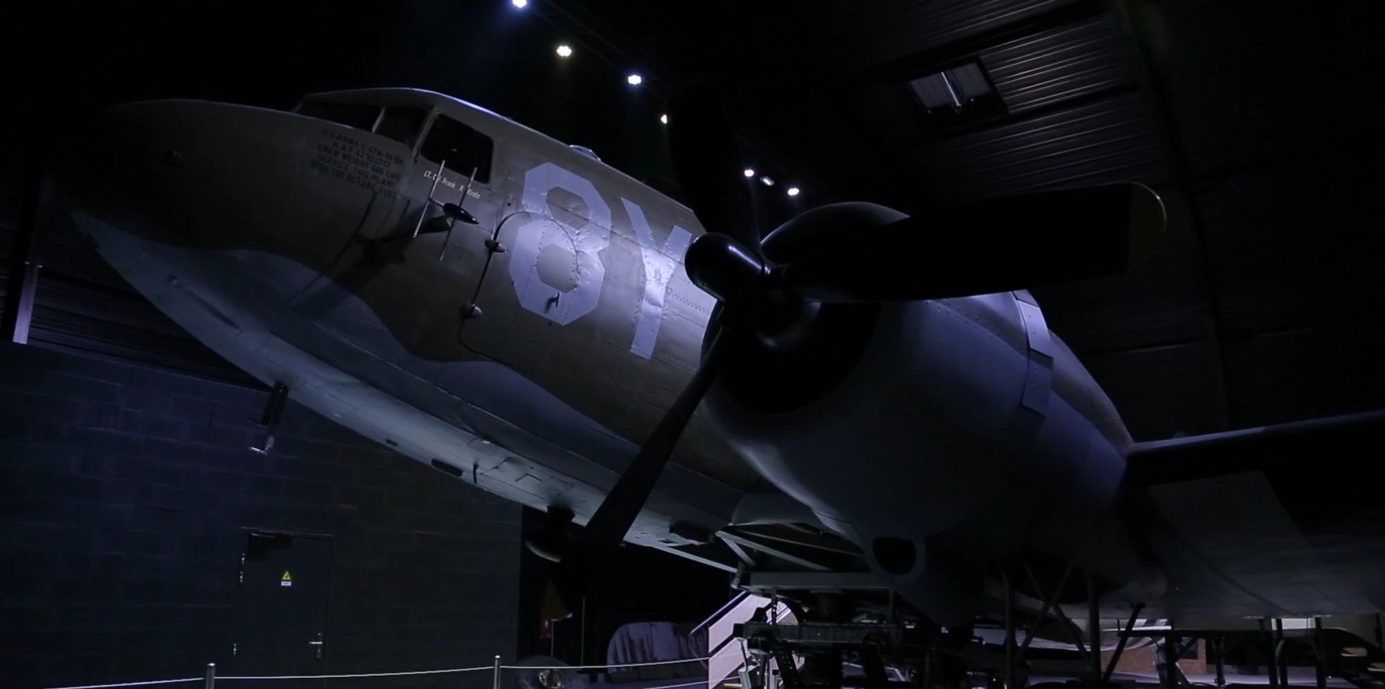 plane-dark